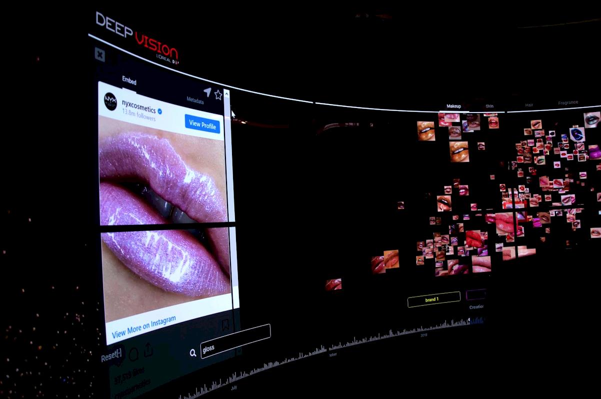 Clustering 3D de photos Instagram de gloss dans la capsule IA de L'Oréal